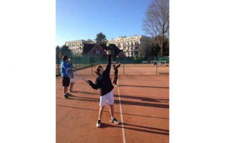 Stages de tennis et stages multisports